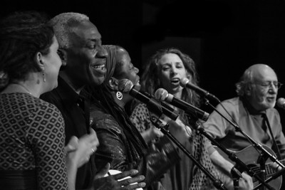 Kristen Grave, Reggie Harris, Kim Harris, Bethany Yarrow and Peter Yarrow.