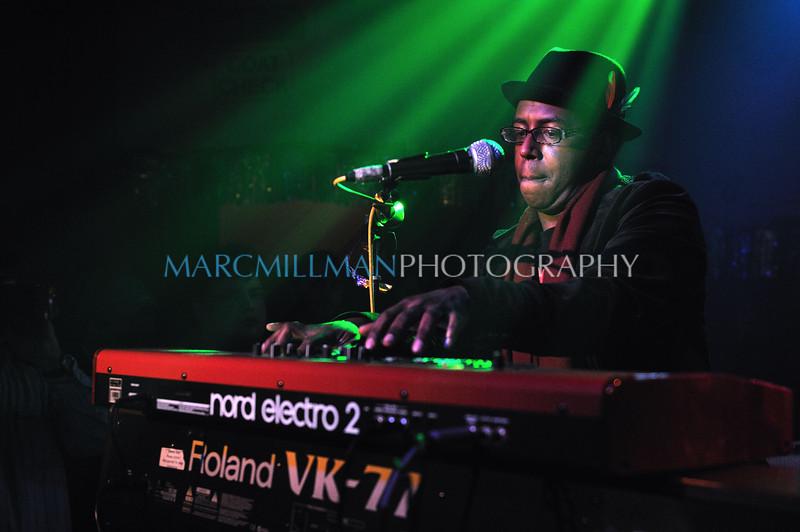 People Say, Nigel play<br /> <br /> Kimock Kreutzman Porter Hall @ Sullivan Hall (Sat 1/1/11)