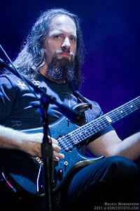 John Petrucci playing Under a Glass Moon - a lot more pictures to come later...