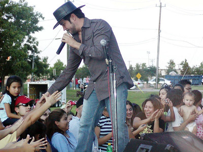 La Mafia at Grito Fest in Baytown, TX on 9-15-2007