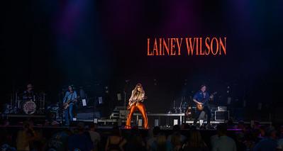 Lainey Wilson 042