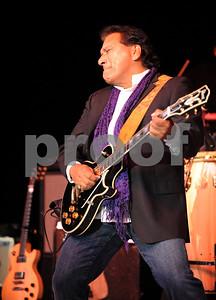 SCOTT Mitchell  copyright  2013    May 5    scottmitchellphotography.smugmug.com  Los Lobos 2nd Annual CINCO De Mayo Festival
