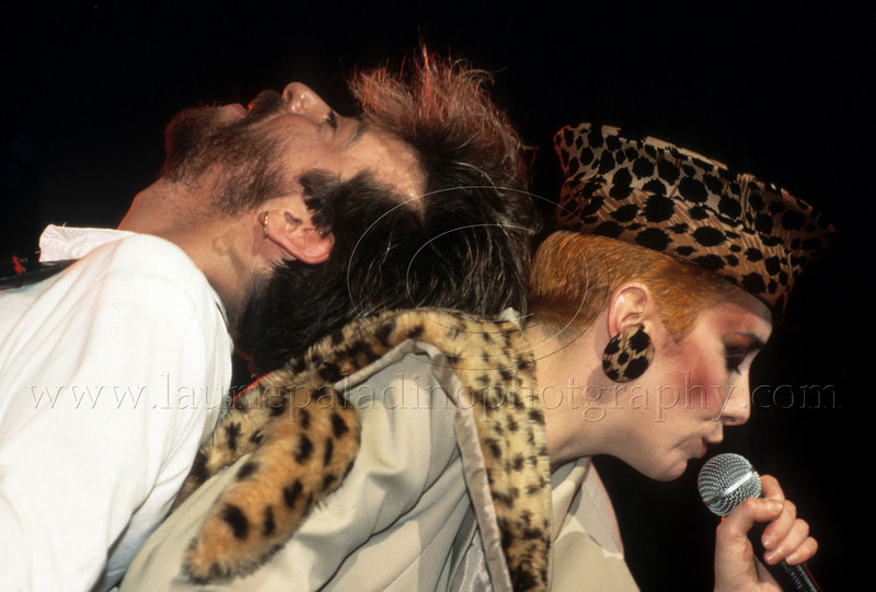 Eurythmics_lp_1005<br /> Dave Stewart rests his head on Annie Lennox as Eurthmics perform live at The Ritz Nightclub in New York City, 1984.<br /> Photo ©Laurie Paladino 1984