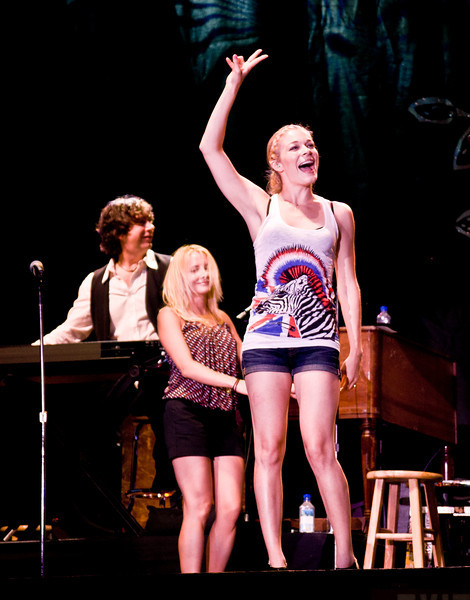 Lee Ann Rimes onstage at Great Adventure, Jackson NJ, July 4 2009