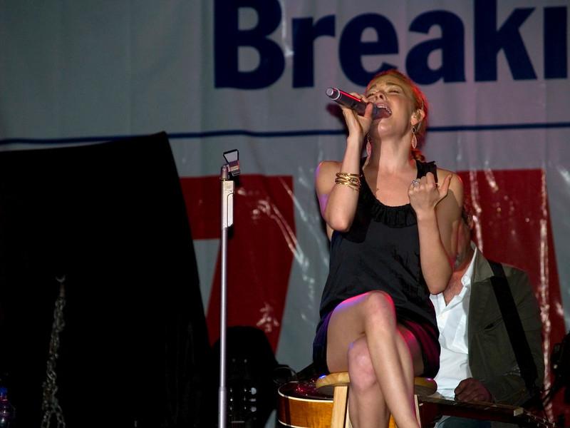 Lee Ann Rimes onstage at Great Adventure, Jackson NJ, September 9, 2007