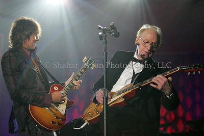 Les Paul (90th Birthday) at the 36th Annual Songwriters Hall of Fame Awards in Marriott Marquis Hotel.