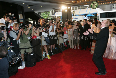 Les Paul arriving at the 36th Annual Songwriters Hall of Fame Awards in Marriott Marquis Hotel.