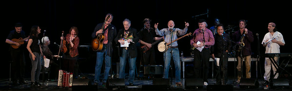 Lorin Sklamberg, Lucy Kaplanski, Janis Ian, Lisa Gutlkin, Tom Chapin, David Amram, Paul Morrissett, Pete Seeger, Tom Paxton, Garland Jeffreys, Matt Darrian and Frank London at the finale.