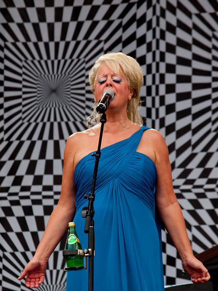Cindy Wilson of The B-52s<br /> AMD (West) Stage<br /> Sunday, October 04, 2009, 2:00 - 3:00 PM<br /> Photos Courtesy of Sean Murphy © 2009