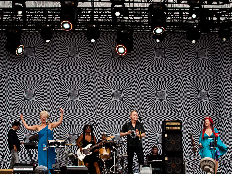 The B-52s<br /> AMD (West) Stage<br /> Sunday, October 04, 2009, 2:00 - 3:00 PM<br /> Photos Courtesy of Sean Murphy © 2009