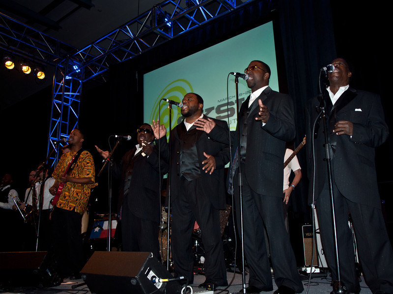 The Relatives joined Black Joe Lewis and the Honeybears for a soul wrenching Gospel ending.