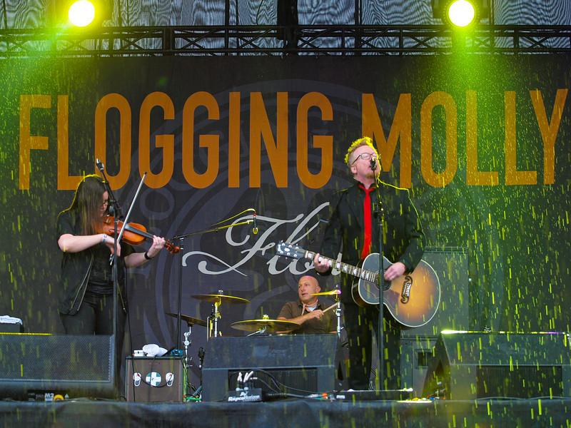 "FLOGGING MOLLY <br /> AMD (West) Stage<br /> Saturday, October 03, 2009, 4:00 - 5:00 PM<br /> <br />  <a href=""http://www.floggingmolly.com/"">http://www.floggingmolly.com/</a>"