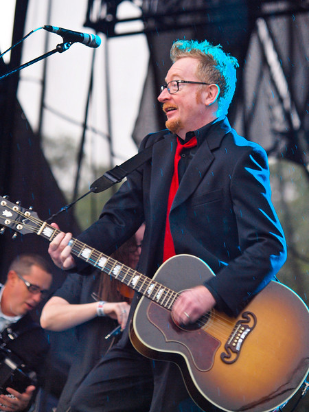 "FLOGGING MOLLY <br /> AMD (West) Stage<br /> Saturday, October 03, 2009, 4:00 - 5:00 PM<br /> Frontman Dave King.<br /> <br />  <a href=""http://www.floggingmolly.com/"">http://www.floggingmolly.com/</a>"