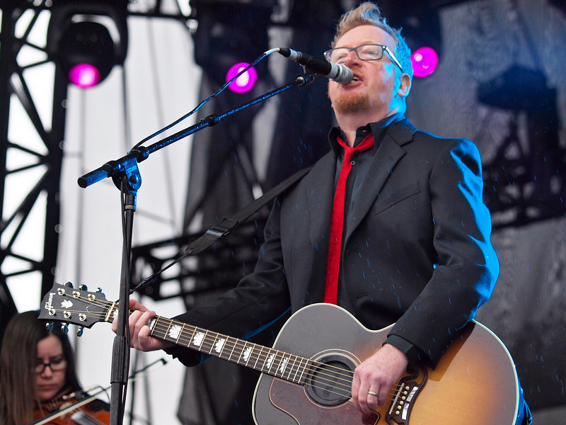 """FLOGGING MOLLY <br /> AMD (West) Stage<br /> Saturday, October 03, 2009, 4:00 - 5:00 PM<br /> Frontman Dave King.<br /> <br />  <a href=""""http://www.floggingmolly.com/"""">http://www.floggingmolly.com/</a>"""