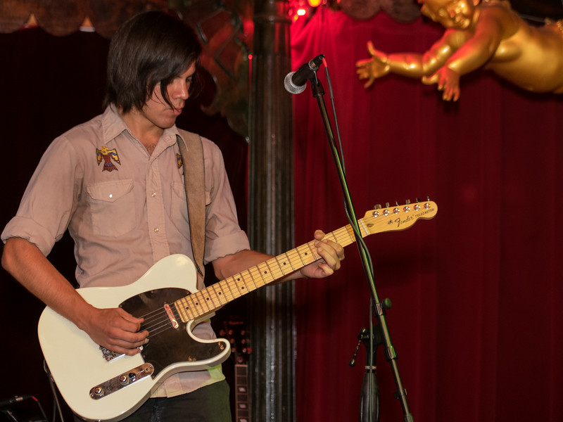 Guitarist with Nic Armstrong & The Thieves