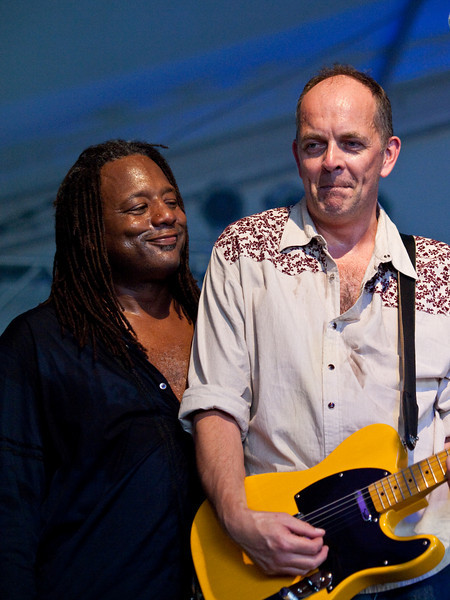 El John Nelson (Percussion) & Dag Juhlin (Guitar) of POI DOG PONDERING<br /> The Wildflower Center<br /> Friday, October 02, 2009, 3:15 - 4:05 PM<br /> Photos Courtesy of Sean Murphy © 2009