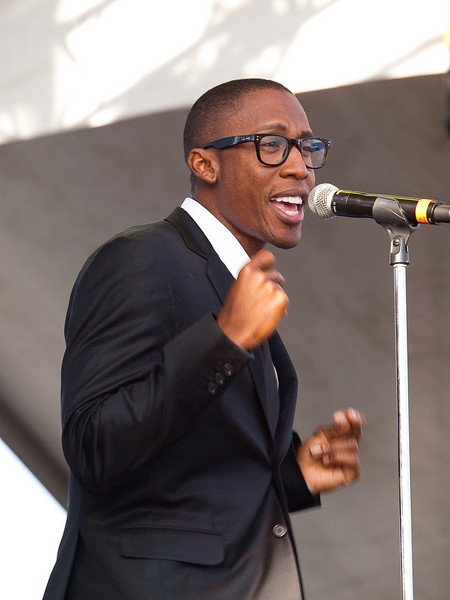 RAPHAEL SAADIQ<br /> Xbox 360 Stage<br /> Friday, October 2, 2009 - 5:30 - 6:30 PM<br /> Austin City Limits Festival 2009<br /> Photos Courtesy of Sean Murphy © 2009