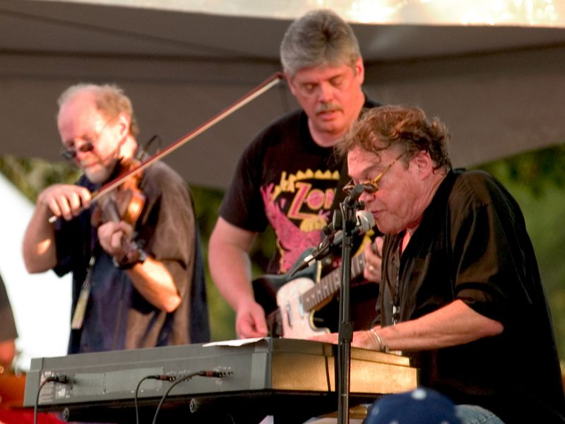 Terry Allen (keyboards),<br /> Richard Bowden (fiddler extraordinaire), <br /> Lloyd Maines (guitar)<br /> Austin City Limits Music Festival 2004<br /> Photo by Sean Murphy © 2004.<br /> Please  do not reproduce without permission.