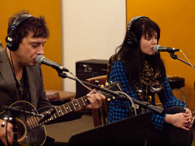 Jamie Hince and Alison Mosshart of the Kills, performing for Austin Public Radio station KUT-FM during SXSW 2011.