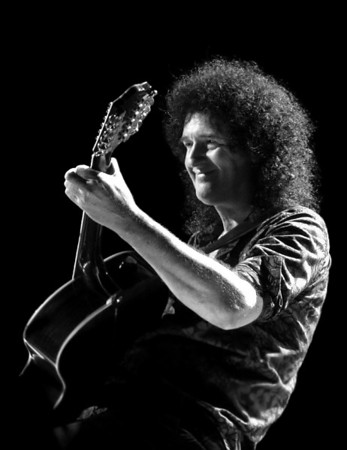 Brian May (QUEEN+Paul Rogers, Cosmos Rocks Tour 2008, Luxembourg)