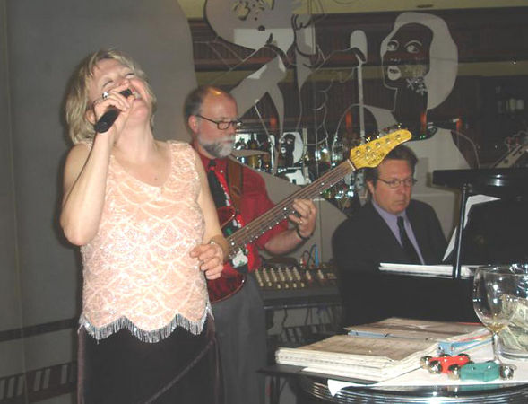 Peggy belts it out the last night at Cite Grille