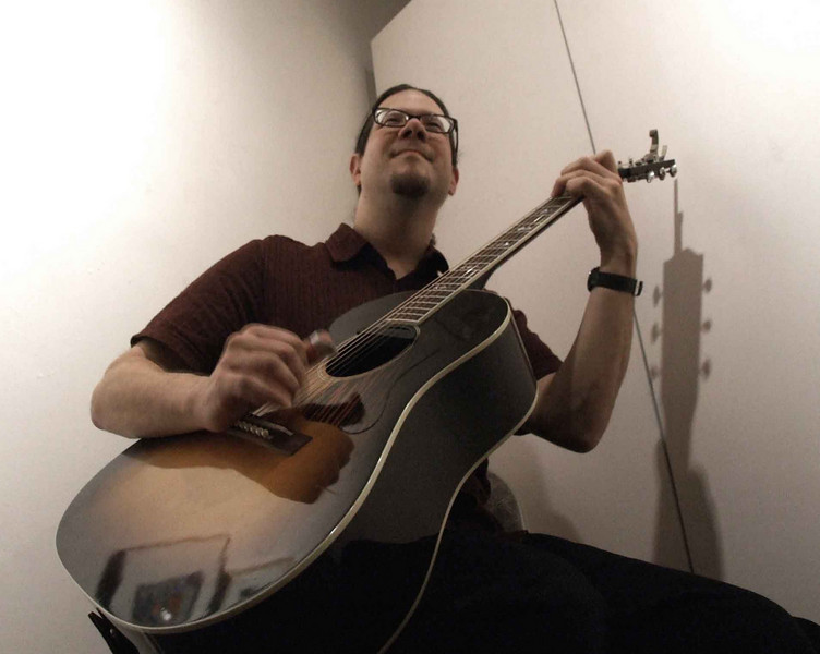 The happy blues as played by Eric Noden at Jan's opening night, Standing Rock art Center, Kent.