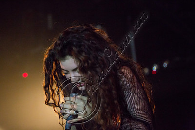 175829116CL00004_Lorde_In_C