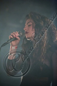 175829116CL00016_Lorde_In_C