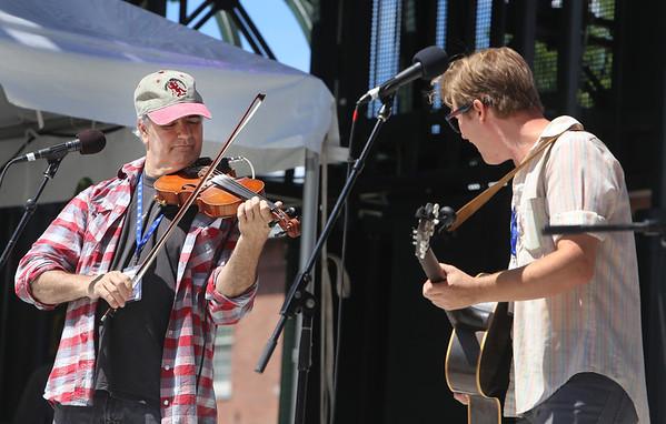Lowell Folk Festival: music & dancing