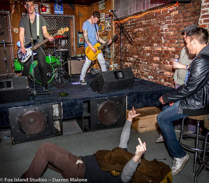 Lucky-Bunny-Foot-plays-Tony-V's-Garage-Everett-WA-Photo--11