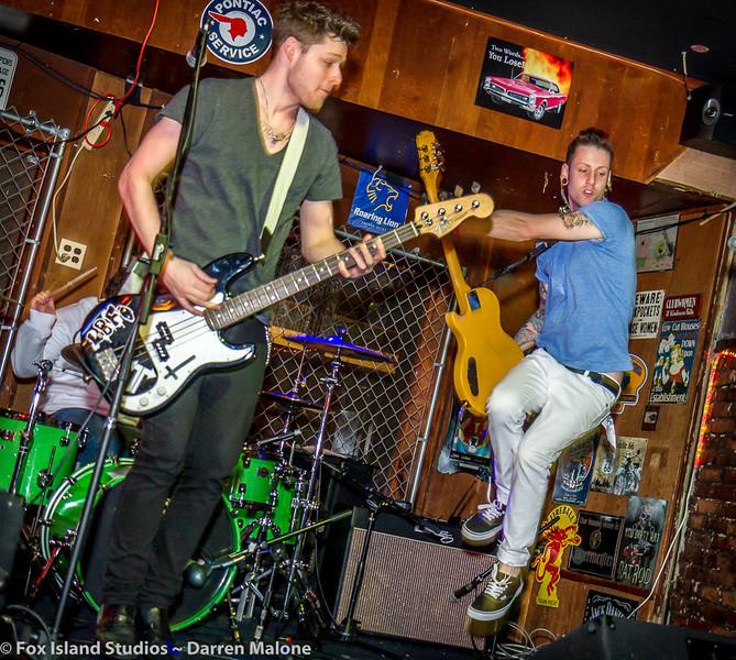 Lucky-Bunny-Foot-plays-Tony-V's-Garage-Everett-WA-Photo--19