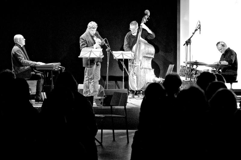Luigi Martinale Trio with Tino Tracanna