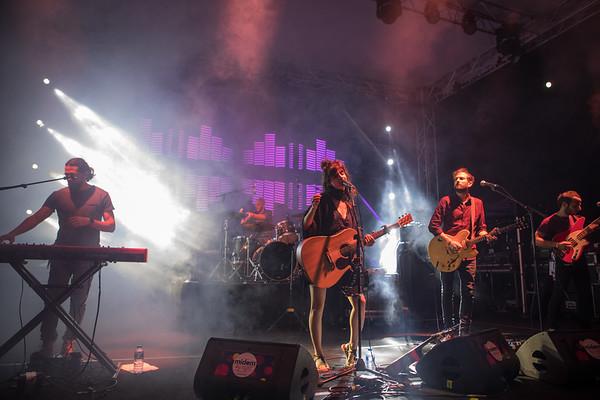 Rock duet Lola Marsh from Tel Aviv plays at Midem 2017