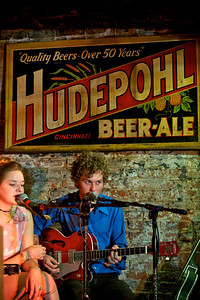 """Hannah Jones and Andy Cook of """"The Wanderloons"""" at Arnold's for MPMF.10"""