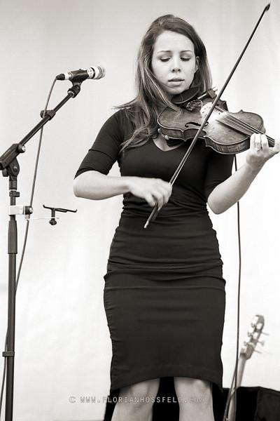 Kalissa Hernandez - Locarno music