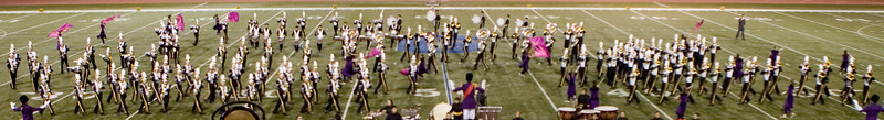 Again the well synchronized marching (sorry for the poor quality photo)