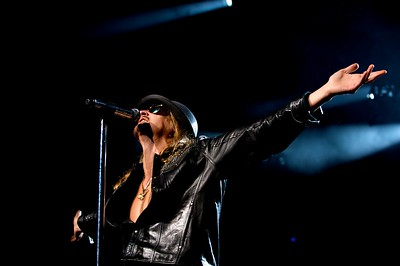 Kid Rock performs