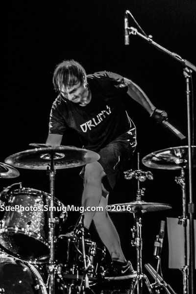 Dale Crover on drums with Melvins at the Calvin Theatre