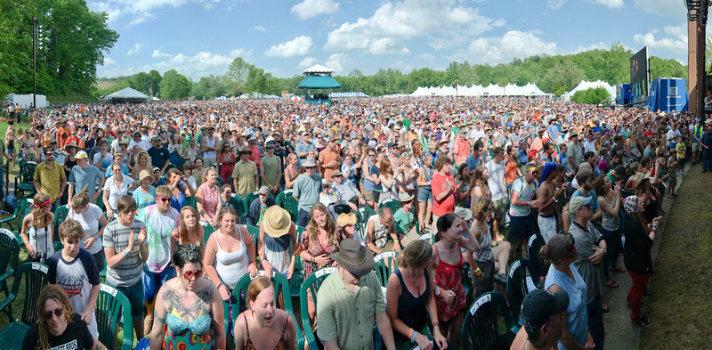 Avett Brothers Crowd