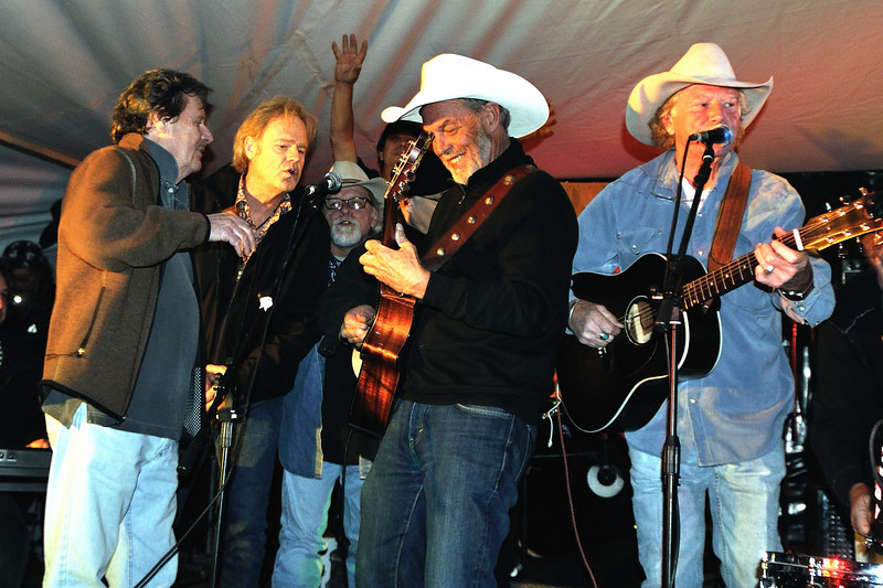 Delbert McClinton, Bob Livingston, Tommy Alverson, Michael Hearne, Mentor Williams