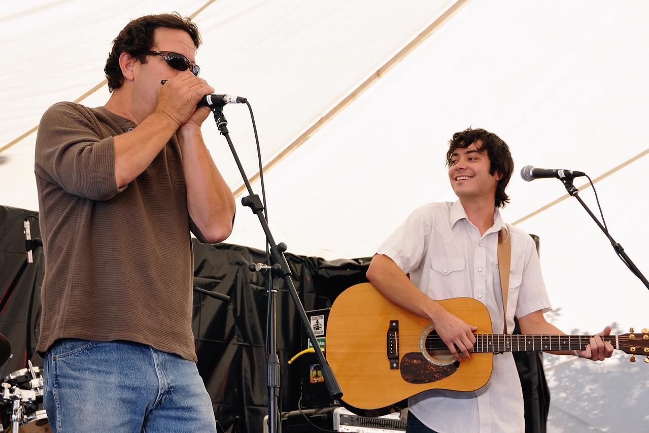 Mitch Miller, Max Gomez