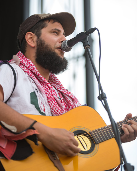July 29, 2018 Joe Hertler & The Rainbow Seekers on the River Stage at Mo POP Festival. Photo by Tony Vasquez for MAT Mag.