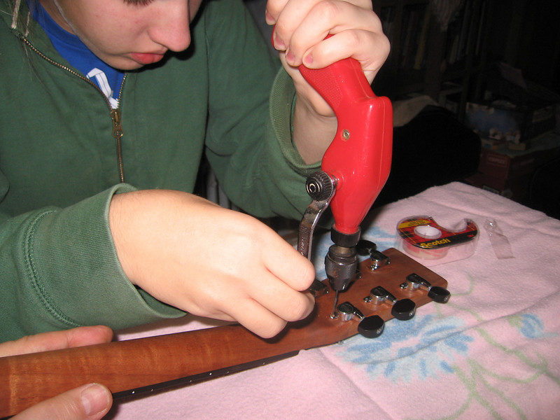 Attaching the tuning machines
