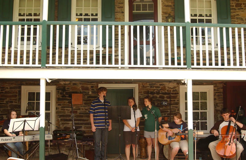 """Practice for the Ruth's Coffeehouse - """"Once"""" - (June 2009- Maddie, Seth, Emma, Anna, Lydia, Justin)"""
