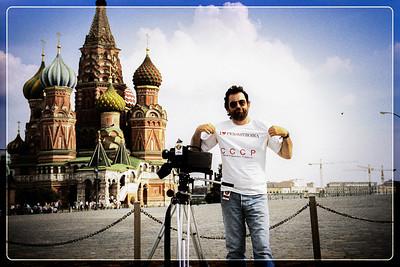 Le Produc qui frime sur la place rouge avec son T-Shirt de l'émission TSR PEROKSTROÏKA !