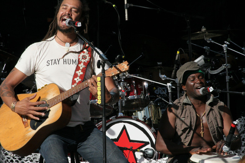 Michael Franti and Manas Itiene