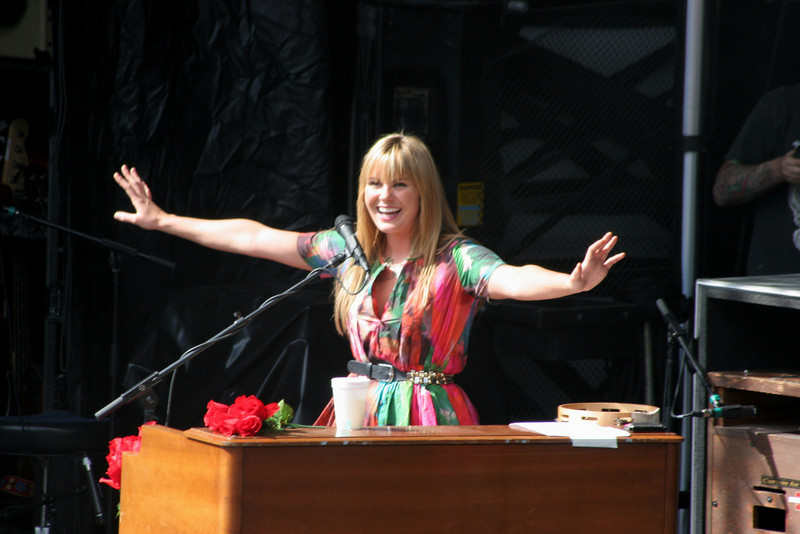 the radiating Grace Potter