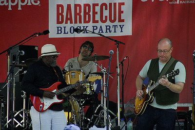 Bill Sims Jr. (Snapple Barbecue Block Party, Madison Sq. Park, NYC)