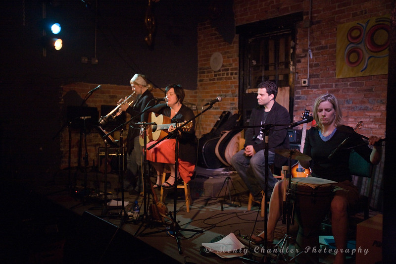 """Steven Delopoulos, Katie Herzig & Julie Lee perform at The Evening Muse on May 9th 2008 during their """"Feet On The Ground"""" tour"""