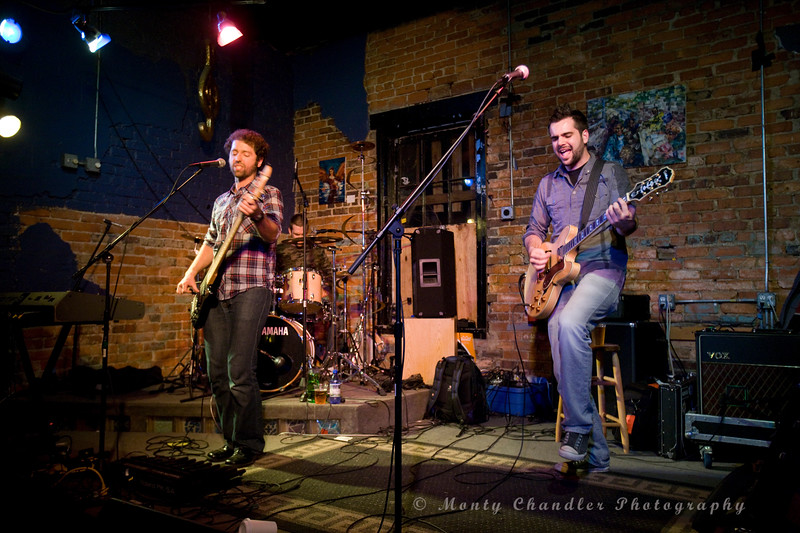 Sun Domingo performing at the Evening Muse Dec 9th 2009